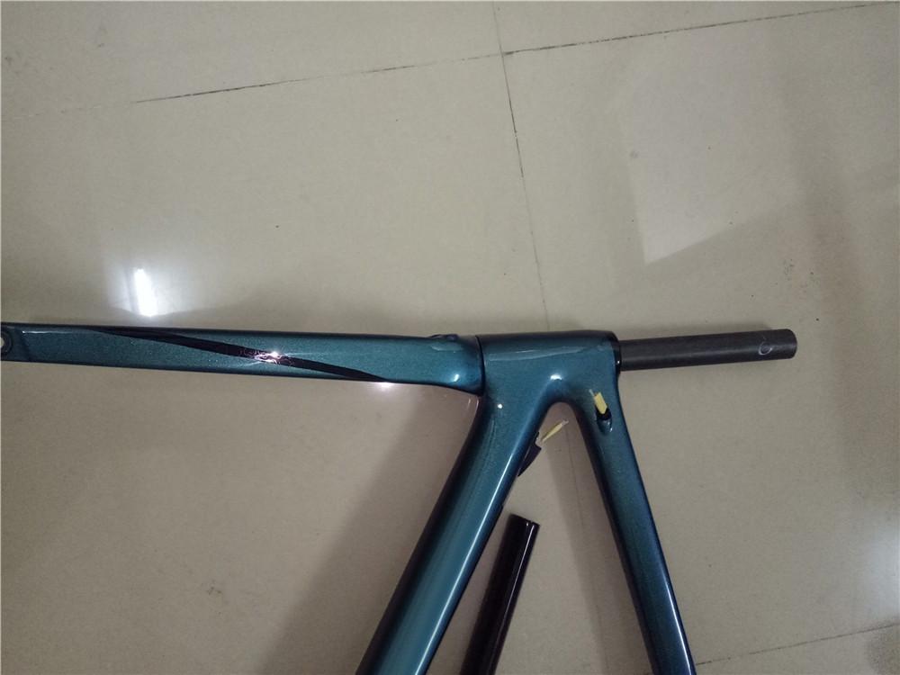 新品 カーボンフレーム フレームセット ロードバイクフレーム 自転車フレーム 700C_画像8