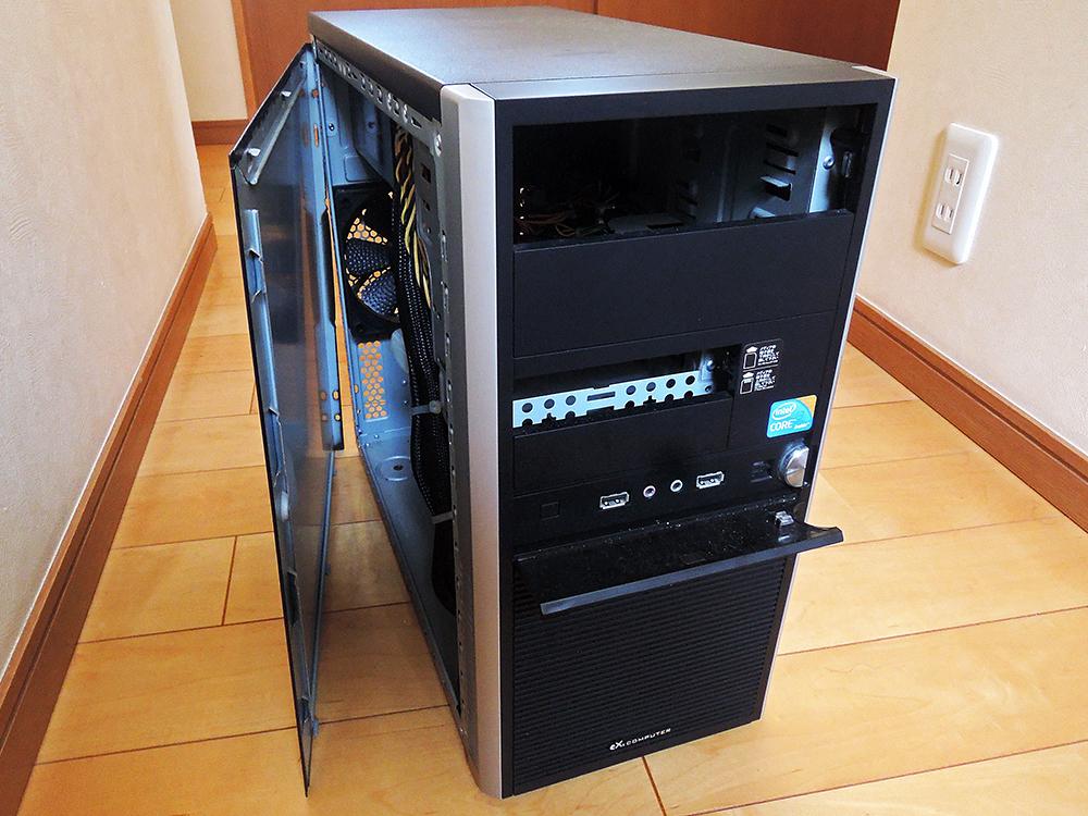 USB×2、イヤホン、マイク端子