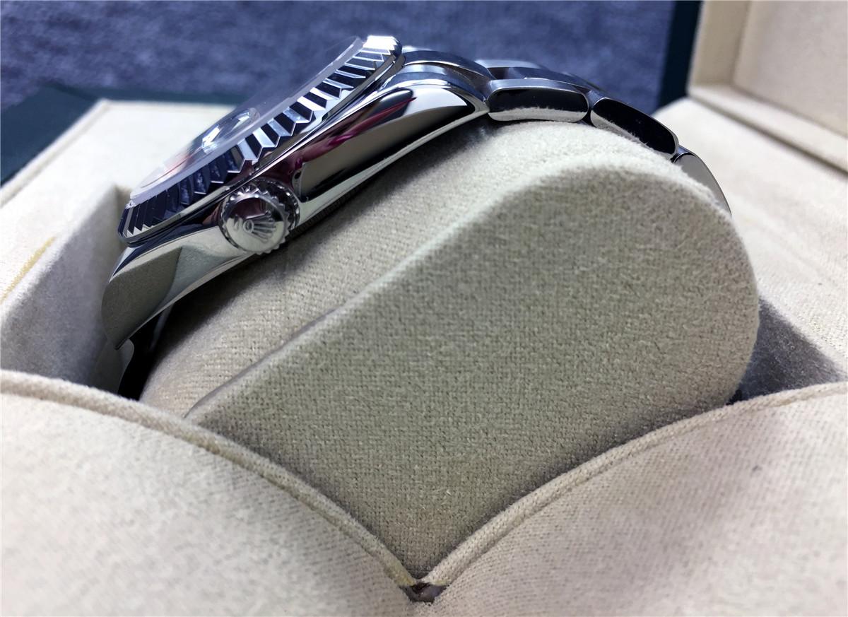 メンズ腕時計箱付き未使用品極美品009_画像5