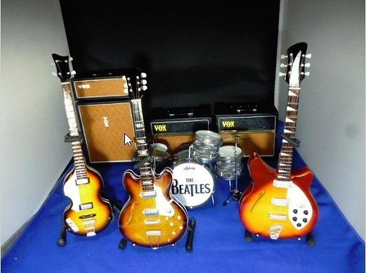THE Beatles (ビートルズ) ミニチュアバンドセット B_画像1
