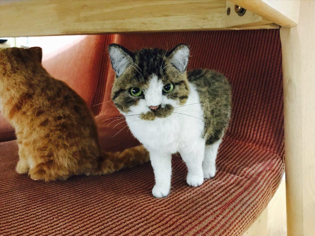 ★MEBARU★羊毛フェルト 猫 キジ白猫♪さんまの首輪付 ハンドメイド