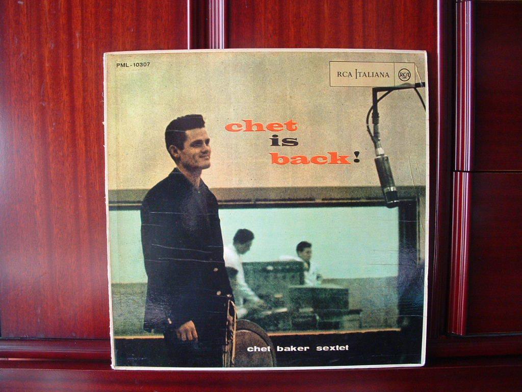 【伊オリジナル極美盤NM】CHET BAKER / Chet Is Back ! イタリア (DG,黒ラベル,RCA)_画像1