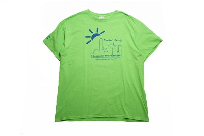 【XL】 14's GILDAN ギルダン Tシャツ 黄緑 プリント Sunbeam Family Services ビンテージ ヴィンテージ USA 古着 オールド IB876_画像1