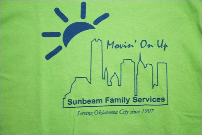 【XL】 14's GILDAN ギルダン Tシャツ 黄緑 プリント Sunbeam Family Services ビンテージ ヴィンテージ USA 古着 オールド IB876_画像3