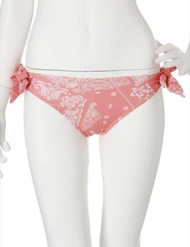 即決 新品 ¥14040 ダズリン×ROXY バンダナ柄コラボビキニ ピンク 水着 スイムウェアdazzlin×ROXY BUSTIA/KNOTTED SURFER タンキニ_画像6