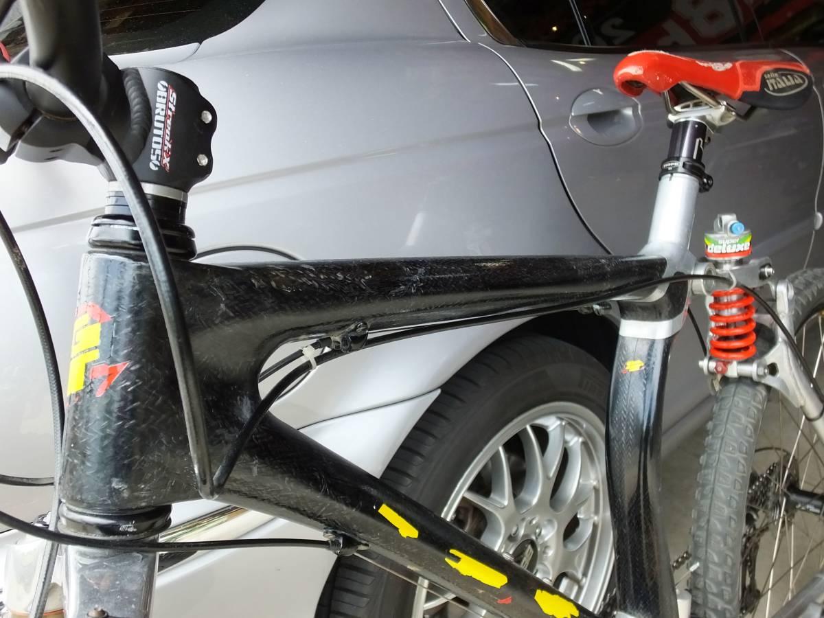 ☆★超レア・Nicolas Vouilloz・GT・ドライカーボン+アルミハイブリッドフレーム・本格ダウンヒル競技車・フランス_画像9