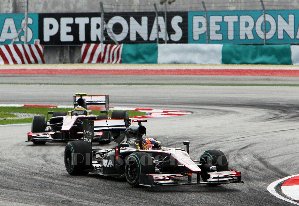2010年 HRT F1 フォーミュラ1 ヒスパニアレーシング F110 カルン・チャンドック フォト 5枚付き ④_画像1