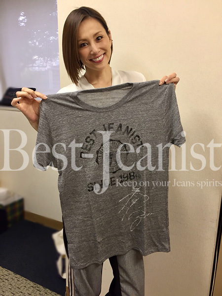 [チャリティ]米倉涼子さん、サイン入りベストジーニストTシャツ