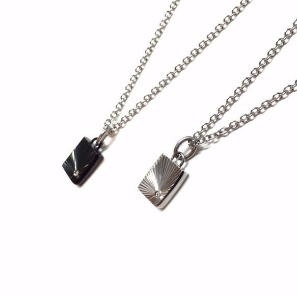 【刻印可能】czダイヤモンドブラック&シルバーカラーシャインカットスクエア型ペアネックレス_画像3
