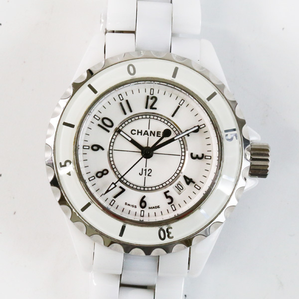 huge selection of d0f61 606ac シャネル 時計 セラミック J12の値段と価格推移は? 175件の ...