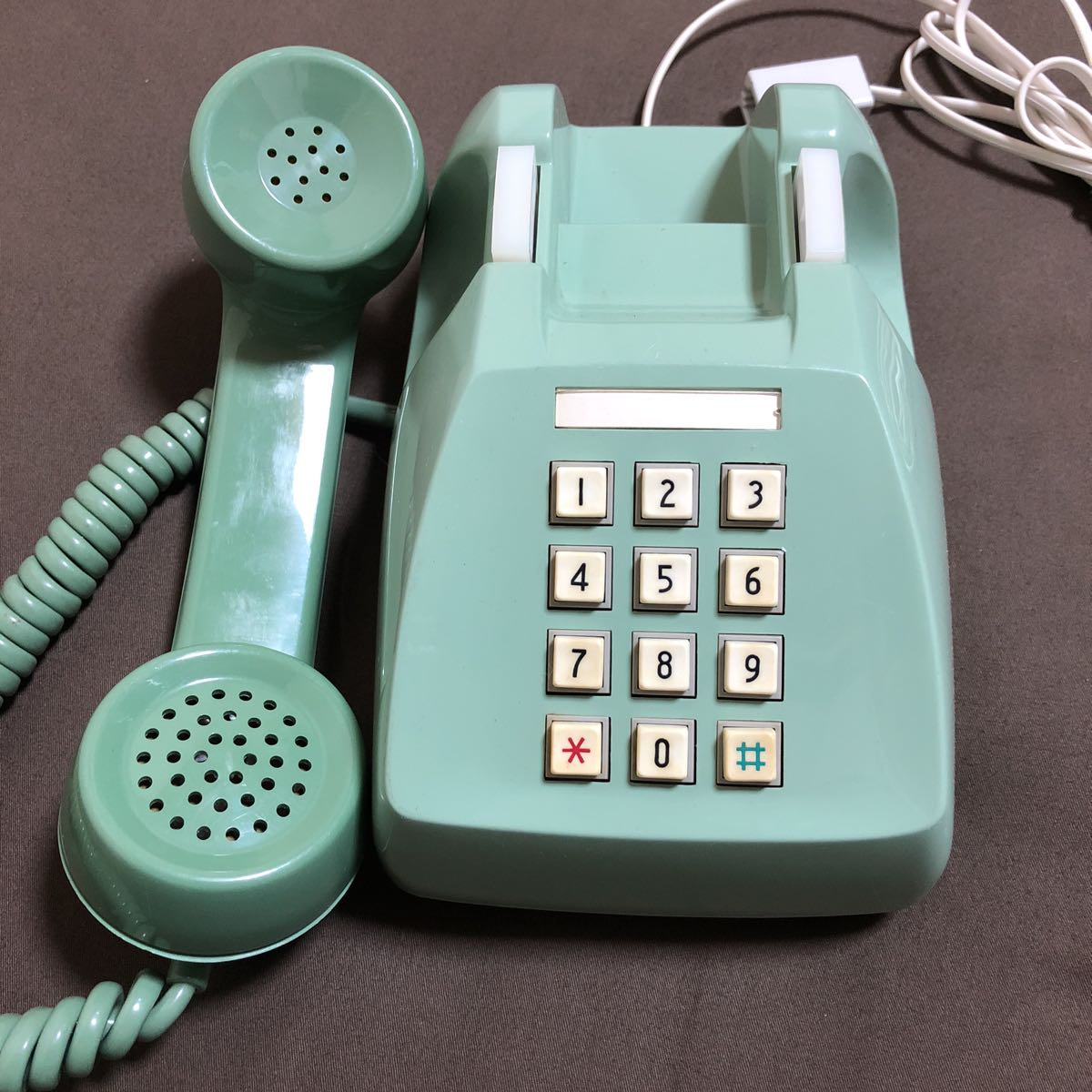 レトロ アンティーク プッシュ式電話機 600-P 日本電信電話公社 プッシュホン グリーン 緑 置物 飾り インテリア_画像2
