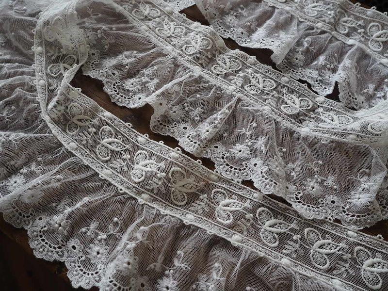 フランス アンティーク美しい白の刺繍 幅色2種チュールレース花カットワーク ドール ボネ ドレス リメイク ハンドメイド ボタニカル パネル