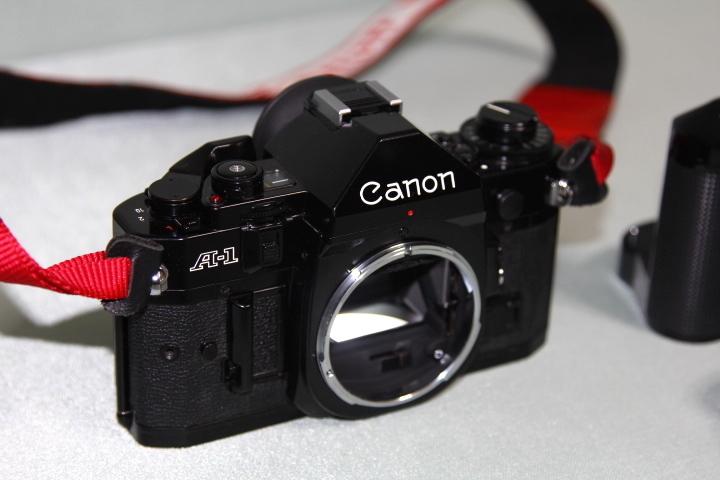 中古 Canon A-1 本体 35-105mm レンズ モータードライブセット データバック付 シャッター動作確認_画像7