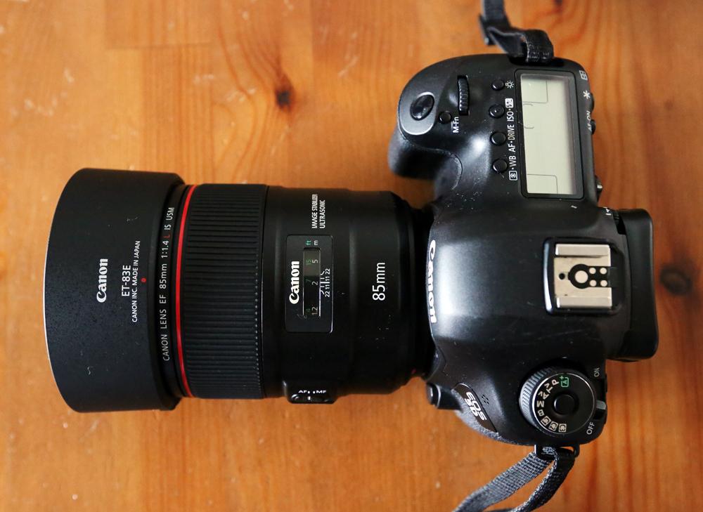 【宅配カメラレンタル1日~】キヤノン純正レンズ EF85mm F1.4L IS USM 1,500円/1日_レンズ装着例(ボディーはオプション)