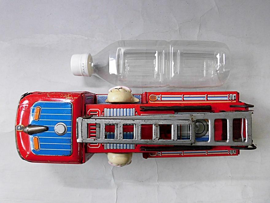 当時物 昭和レトロ ヨネザワ おばQ オバケのQ太郎 ブリキ 消防車 車 はしご フリクション ビンテージ 1960年代_画像7