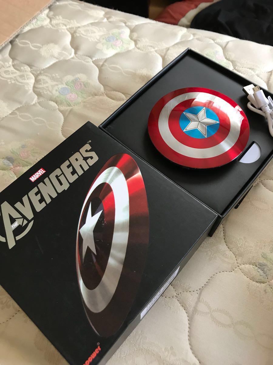 【スーパーセット】キャプテンアメリカ アイアンマン モバイルバッテリー 【MARVEL AVENGERS 】iphone airpods iqosにも使えます!送料無料_画像2