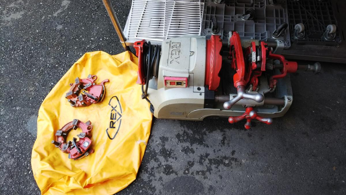 RAX レッキス ねじ切り機 S80AⅢ 100V パイプマシン ネジ加工 100ボルト 電動 カバー付き_画像7