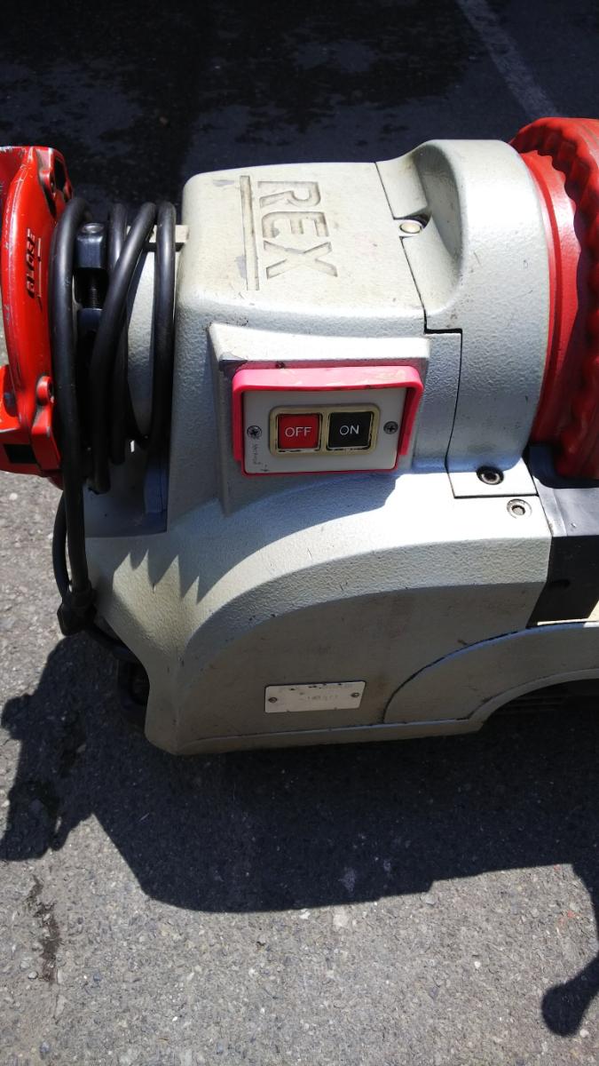 RAX レッキス ねじ切り機 S80AⅢ 100V パイプマシン ネジ加工 100ボルト 電動 カバー付き_画像2