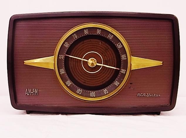 me020 昭和レトロ RCA Victor 真空管ラジオ 稼働品