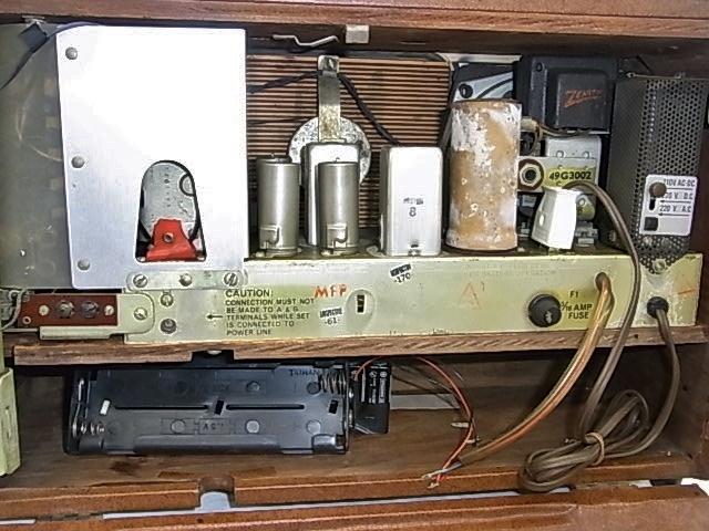 ab4011  ヴィンテージ ZENITH TRANS-OCEANIC  電池式 真空管ラジオ ジャンク_画像10