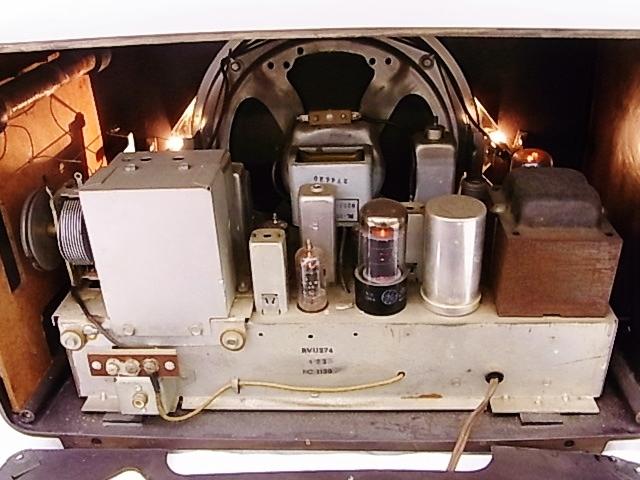 me020 昭和レトロ RCA Victor 真空管ラジオ 稼働品_画像6