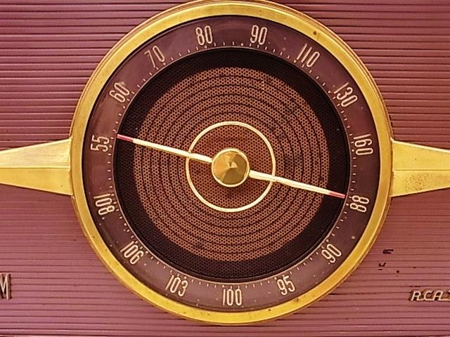 me020 昭和レトロ RCA Victor 真空管ラジオ 稼働品_画像3