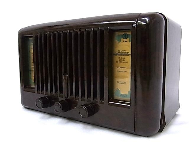 g1878 ヴィンテージ PILOT RADIO社製 LITTLE MAESTRO MODEL10 真空管ラジオ 通電OK ジャンク_画像2