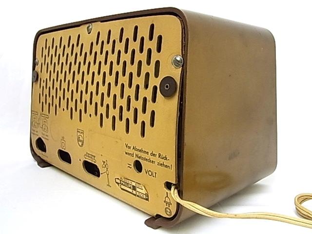 g1880 ヴィンテージ PHILIPS OHILETTA TYPE-BD263U No.W90459A 真空管ラジオ 稼動品_画像5