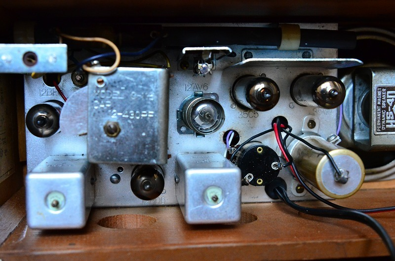 日立 トランスレス真空管ラジオ H-202 フェライトバー式で高感度です。_画像7
