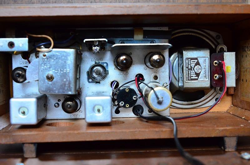 日立 トランスレス真空管ラジオ H-202 フェライトバー式で高感度です。_画像9