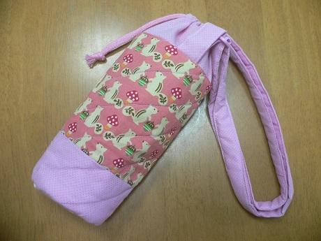 ハンドメイド☆肩掛けペットボトルケース・ カバー・水筒入れ(3)☆ 500ml・ピンク・りす