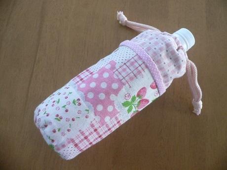 ハンドメイド☆ペットボトルカバー・ケース・水筒(1)☆ 500ml・ピンク・苺