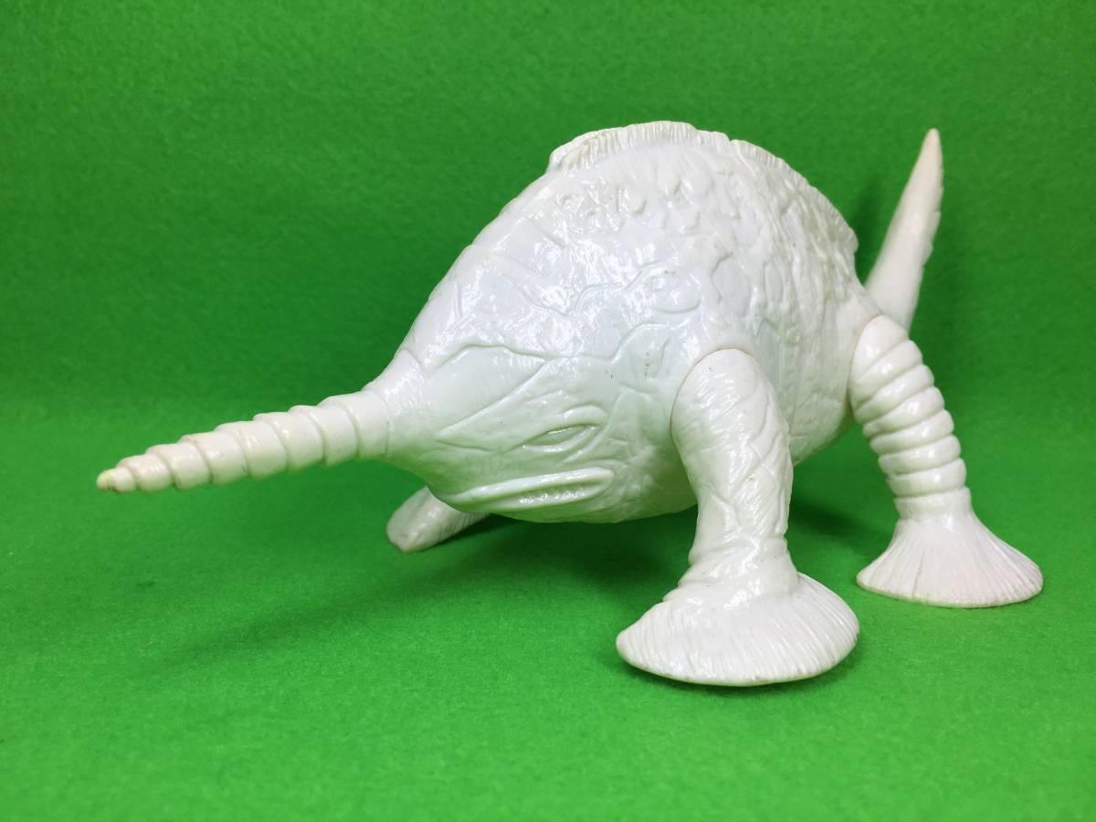バンダイ 白成型 グビラ ソフビ ウルトラコレクション 未塗装 ホワイト 怪獣 ウルトラマン /ウルトラセブン ブルマァク