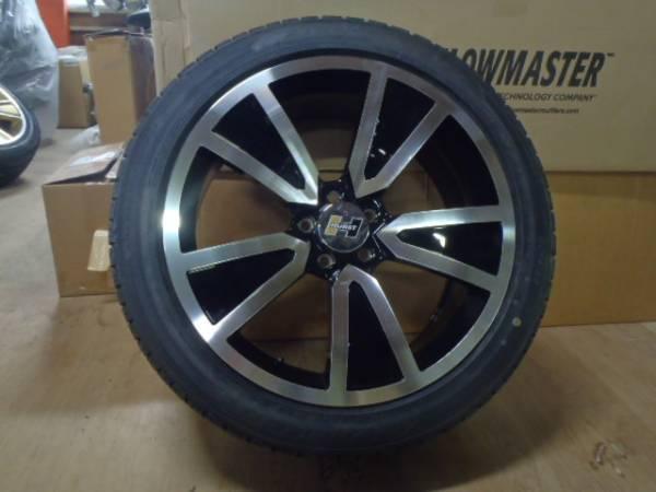 HURST SHAKER 20インチ ホイール タイヤ セット 展示品 クライスラー 300C ダッジ マグナム チャージャー チャレンジャー_画像2