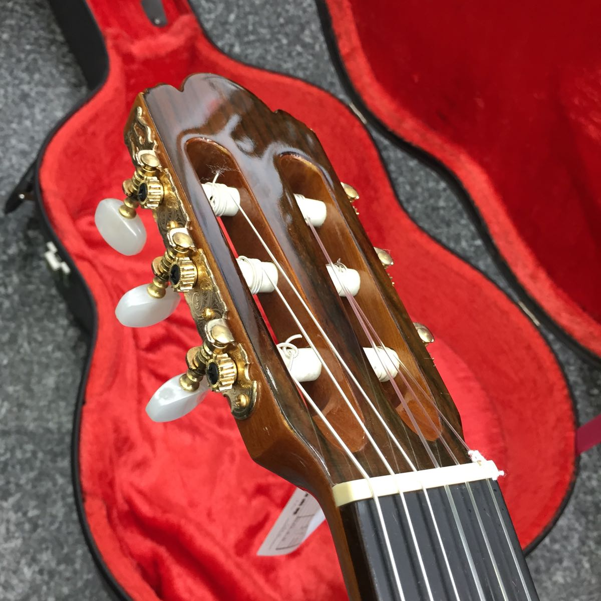 中古 Abe guitar 330 TOP単板 美品 日本製 630mmスケール 調整済 ハードケース付 _画像4