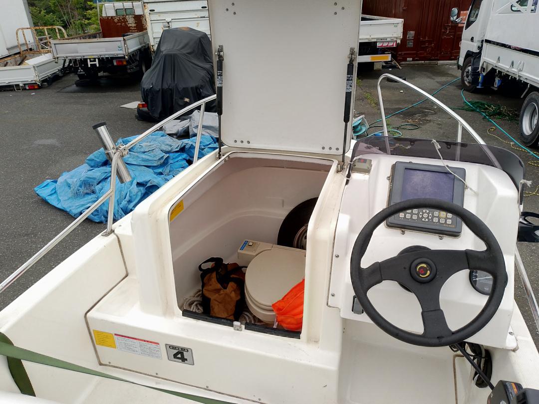 ネオ 390 エンジン100時間以内 トレーラー付き  希少電動トイレ付き_画像6
