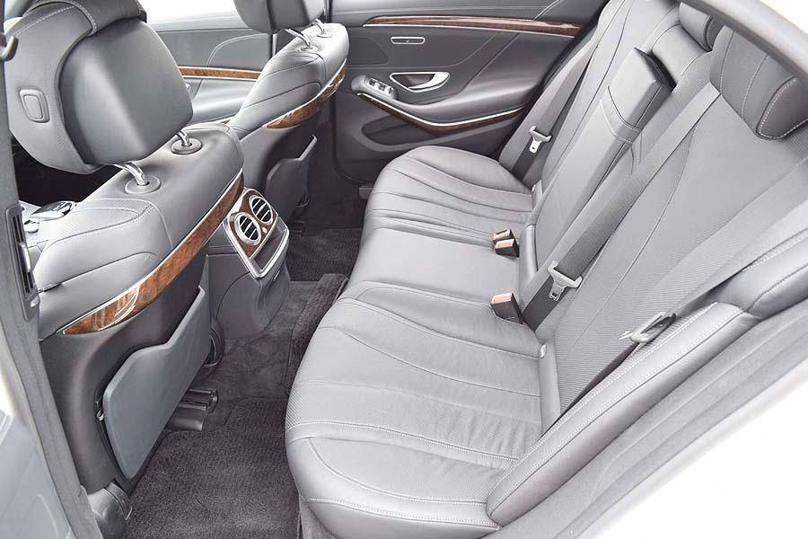 実走行30200km 2015年モデル メルセデスベンツS400hラグジュアリーPKG 人気のダイヤモンドホワイト 黒革 18AW ETC 現車確認如何ですか?_画像8