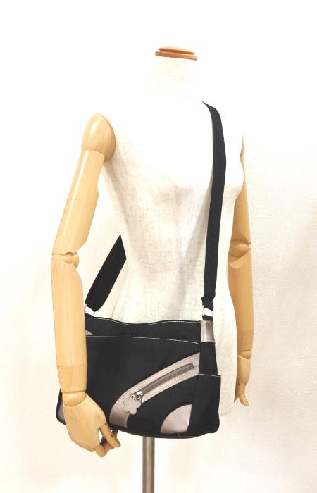 ナイロン ショルダーバッグ レディース ブラック 軽い 斜め掛け nicoletta moretti   日常撥水 たくさん入る かばん 鞄 女性 シニア 黒_画像6