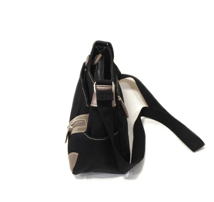 ナイロン ショルダーバッグ レディース ブラック 軽い 斜め掛け nicoletta moretti   日常撥水 たくさん入る かばん 鞄 女性 シニア 黒_画像2