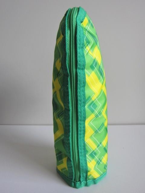 新品 オリジナル ペットボトル 保冷ホルダー未使用 保冷ドリンクポーチ 美品 保冷ケース 綺麗 yellow green 携帯 ベルト調節き レア 得 特_画像3