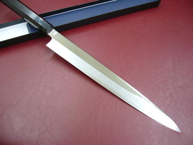 ★送料無料★カスミの最高峰★ V10 鏡面 ステンレス 刺身包丁 270mm 黒檀柄 9寸 柳刃包丁 さびにくい_とてもきれいな刀身です。