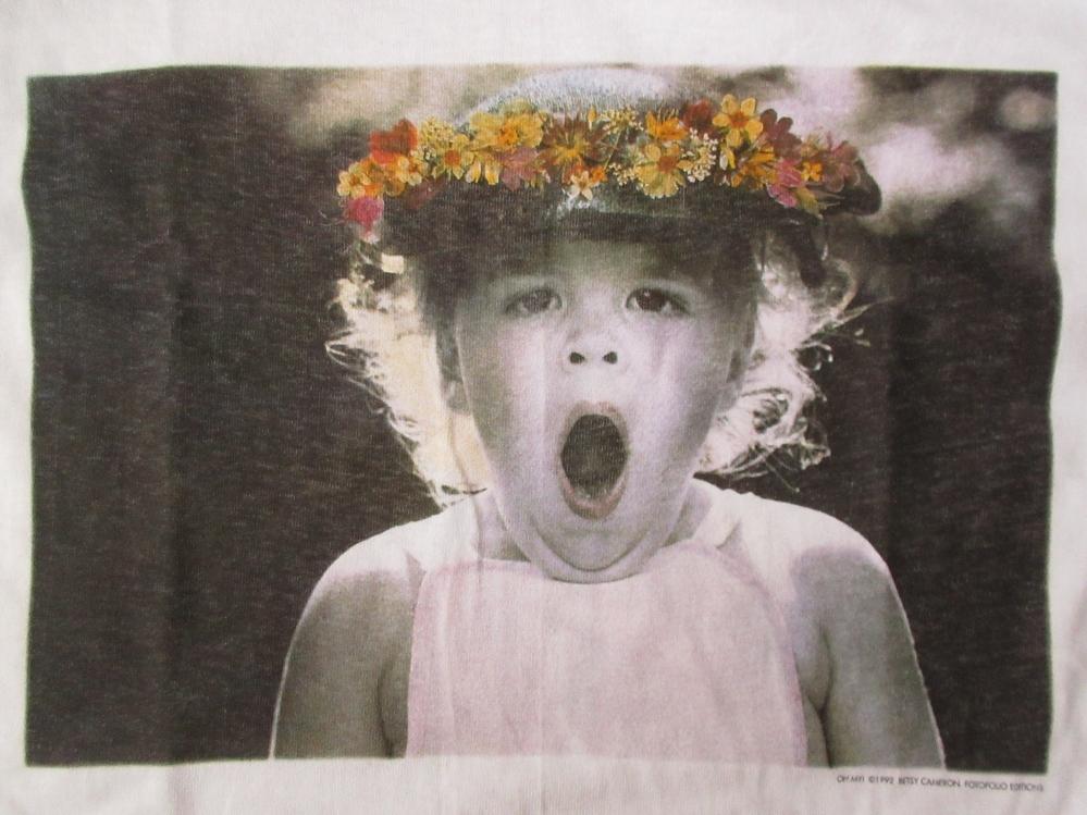 90's USA製 ベッツィ・キャメロン FOTOFOLIO OH MY! フォト Tシャツ M 白 Betsy Cameron Little Angels写真 写真家ART芸術 現代美術 美術館_FOTOFOLIO製・OH MY!・フォト・Tシャツ