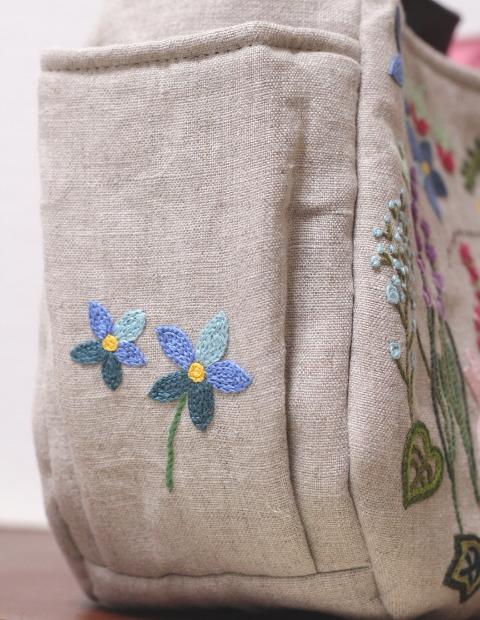 ◆シルエットうさぎ&シロツメクサと野の花の庭◆手刺繍◆リトアニアリネン◆本革持ち手◆ハンドメイドHandmade◆_画像5