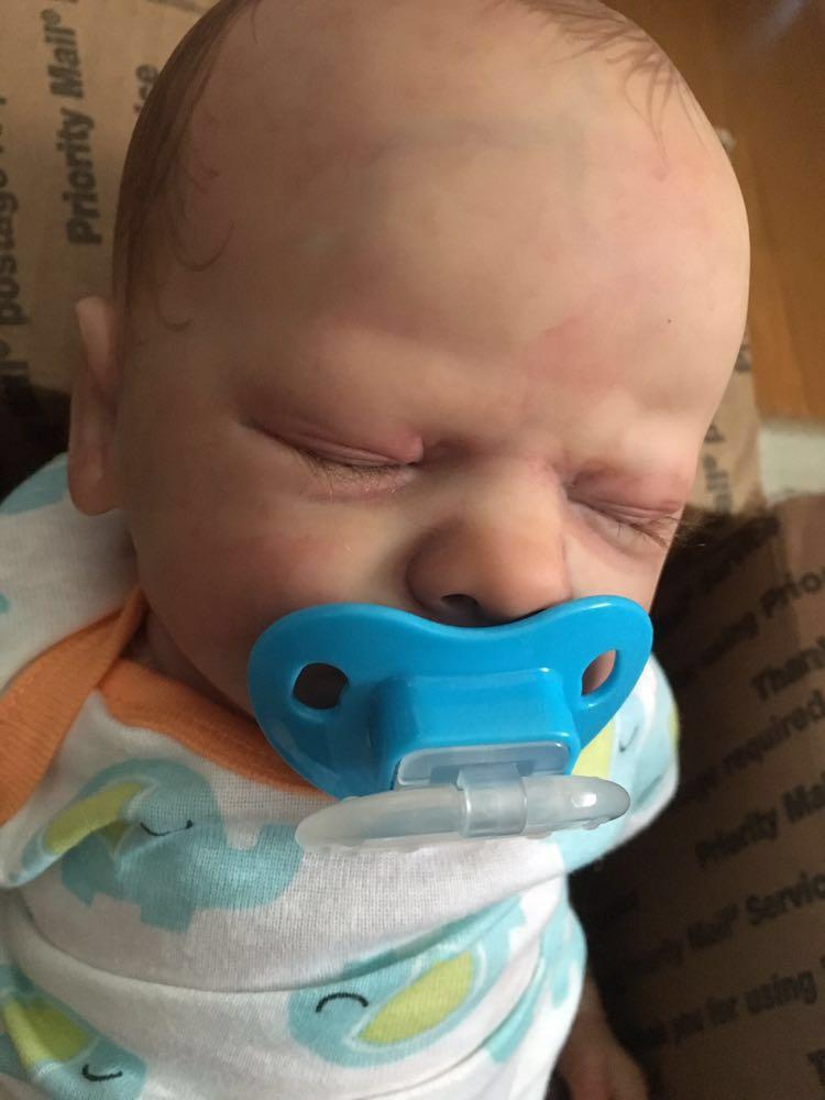 値下げしました!【リボーンドール】超リアルなアメリカの男の子の赤ちゃん!!