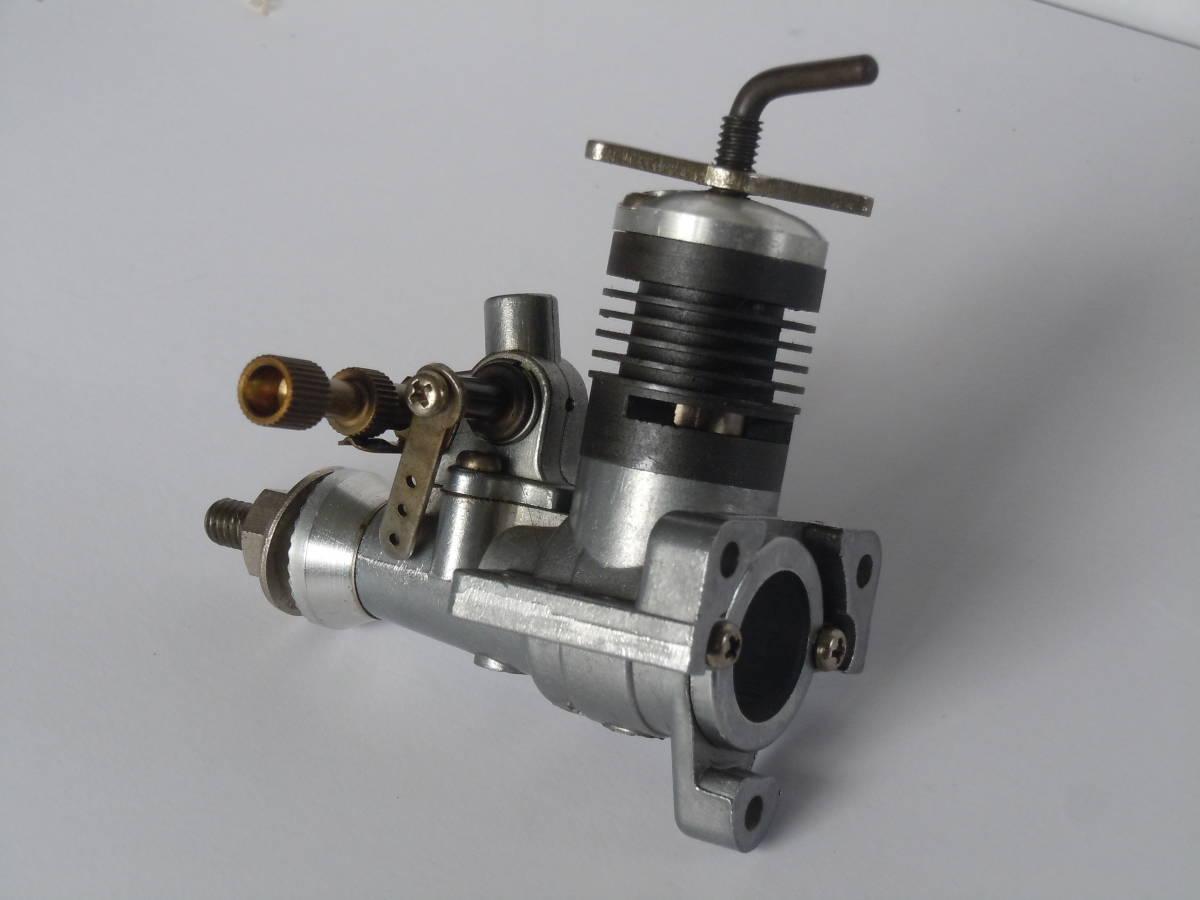 エンヤ06D-ⅡTV ディーゼルエンジン 未使用品 訳有り ジャンク品として_画像2