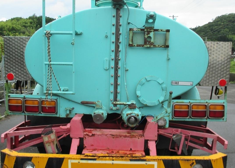 タンク一式のみ 大型トラック バキュームカー散水給水汚泥廃油糞尿貯水中古水タンクポンプPTO散水車タンクローリーダンパー 雨水 水槽_画像2