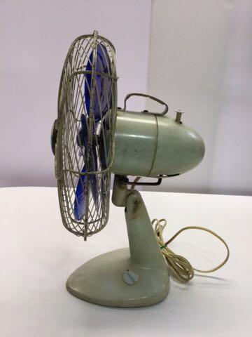 TOSHIBA アンティーク扇風機 動作OK 4枚羽根 昭和レトロ 希少 レア 東芝 古道具 ELECTRIC FAN 骨董_画像4