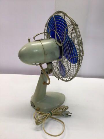 TOSHIBA アンティーク扇風機 動作OK 4枚羽根 昭和レトロ 希少 レア 東芝 古道具 ELECTRIC FAN 骨董_画像9