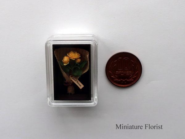 ミニチュア 木箱入りグラハムトーマス 粘土の花 クレイフラワー ドールハウス ハンドメイド バラ イングリッシュローズ _画像2