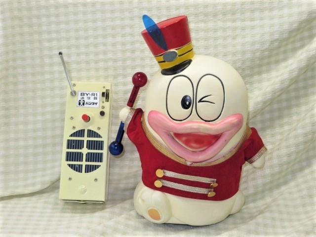 非売品 不二家懸賞品 旧バンダイ製 オバQラジオコントロール人形 電動走行 +豪華セット 動きます!_画像2